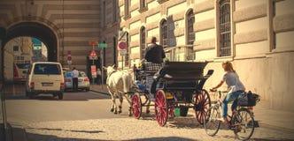 Szene auf der Straße von altem Wien Stockbild
