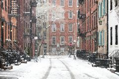 Szene des verschneiten Winters im Greenwich Village, New York City lizenzfreie stockfotos