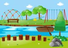 Szene mit Fluss und Spielplatz Stockbild
