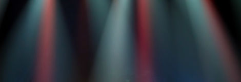 Szene, Stadiumslicht mit farbigen Scheinwerfern Stockfotos