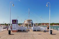 Szenen vom alten hölzernen Pier, Stockbild