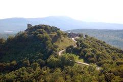 Szenische Ansicht über alte Schlossruinen Stockfotografie