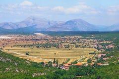 Szenische Ansicht des Gebirgstales in Bosnien und Herzegowina Stockfotografie