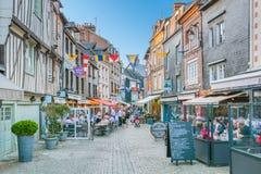 Szenische Ansicht in Honfleur, Küstendorf in der Bass-Normandie, Frankreich Lizenzfreies Stockfoto