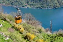 Szenische Ansicht Lago di Como Lake Como mit Drahtseilbahn Stockfoto