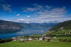 Szenische Ansicht Norwegens - Fjord Lizenzfreie Stockfotos