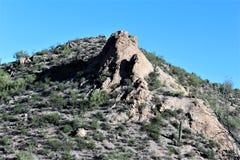 Szenische Ansicht Tonto-staatlichen Waldes von MESA, Arizona zum Canyon See Arizona, Vereinigte Staaten stockbilder