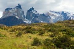 Szenische Ansicht von Cuernos Del Paine lizenzfreie stockfotos