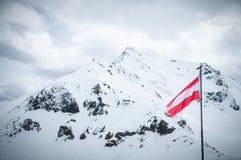Szenische Ansichtskarteansicht des berühmten Platzes, Symbol von Grossglockner-Berg mit Wolke u. Nebel, Österreich Lizenzfreie Stockfotos