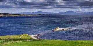 Szenische Ansichtstelle Fintra-Bucht stockbild
