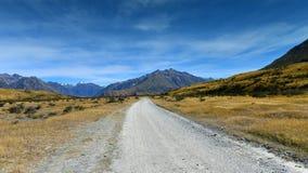 Szenische Gebirgszüge benutzt für das Filmen von Lord des Ringfilms in den Ashburton Seen, Neuseeland Stockbild