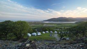 Szenische Hügel von Waliser-Landschaft am Sommer stock video footage