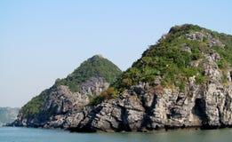 Szenische Inseln langer Bucht ha, Cat Ba, Vietnam stockfoto
