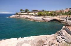 Szenische Küstenlandschaft von vulkanischen Felsen in Costa Adeje auf Teneriffa Lizenzfreie Stockfotos
