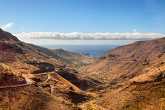 Szenische Landschaft des Gebirgstales Stockfotos