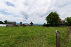 Szenische Landschaft von Elkton, Virginia um Shenandoah-Staatsangehörigen Lizenzfreie Stockfotos