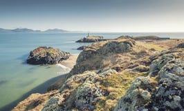 Szenische Llandwyn-Insel weg von Nortwest Anglessey in Wales, Großbritannien lizenzfreies stockbild
