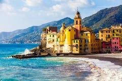Szenische Mittelmeer-Riviera-Küste Camogli, Italien stockfotografie