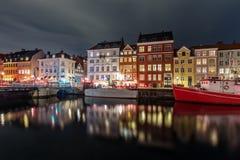 Szenische Sommeransicht von Nyhavn in der alten Stadt von Kopenhagen, Höhle Stockfoto