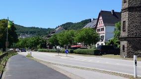 Szenische Stadt von Hatzenport, Deutschland stock video footage