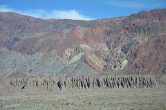 Szenische Straße in den Anden-Bergen zwischen Chile und Argentinien lizenzfreie stockbilder