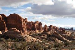 Szenische Utah-Landschaften im Bogen-Nationalpark stockfotografie