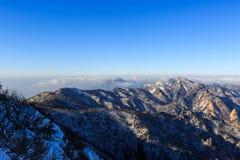 Szenischer Berglandschaftsschuß Koreas an Nationalpark Berg Seoraksan Lizenzfreie Stockfotos