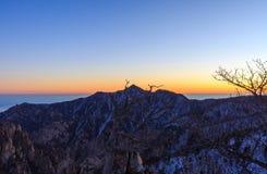 Szenischer Berglandschaftsschuß Koreas an Nationalpark Berg Seoraksan Stockfotografie
