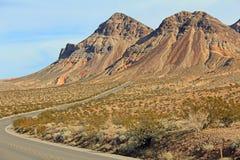 Szenischer Seitenweg in Nevada lizenzfreie stockfotografie