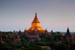 Szenischer Sonnenaufgang über Bagan auf Myanmar Lizenzfreie Stockfotos