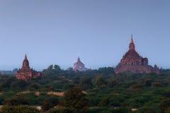 Szenischer Sonnenaufgang über Bagan auf Myanmar Stockfoto