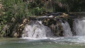 Szenischer Wasserfall stock video