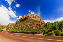 Szenischer Zion Road Zion National Park Interior Road Utah, USA Lizenzfreie Stockfotos