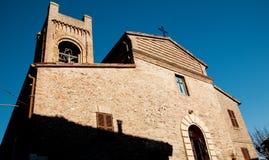 Szenisches Märzlandschaft-montefrabbri Dorf Italien Stockfotografie