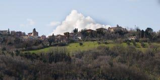 Szenisches Märzlandschaft-colbordolo Dorf Italien Lizenzfreie Stockfotos