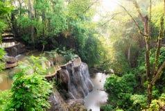 Szenisches natürliches Sonnenlicht des Wasserfalls am Morgen Stockfoto