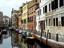 szereg kanałowe Wenecji obraz stock