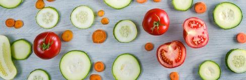 Szerocy fotografii warzywa na drewnianym tle zdjęcie stock