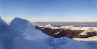 Szeroka panorama śnieżna halna grań obrazy royalty free