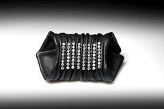 Szeroka rzemienna bransoletka dla kobiet z diamentami Zdjęcie Royalty Free