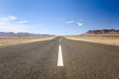 Szeroki kąta widok C13 droga między Noordoewer i Aussenkehr blisko południe - afrykanin granica w Namibia, Afryka Obraz Stock