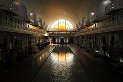 Szeroki kąta widok losu angeles Piscine muzeum sztuki, przemysł i, Roubaix Francja fotografia stock