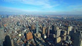 Szeroki kąta widok z lotu ptaka nad Manhattan Nowy Jork zbiory wideo