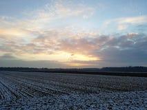Szeroki krajobraz z przedstawieniem i zmierzchem Zdjęcie Royalty Free