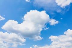 Szeroki niebieskie niebo Zdjęcie Stock