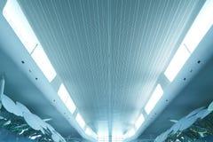 Szeroki wędkujący i perspektywiczny widok lotniskowy sufit Zdjęcie Stock