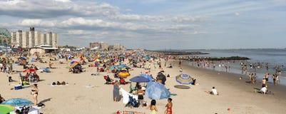 Szeroki widok plaża na Coney Island w Brooklyn Nowy Jork Obrazy Stock