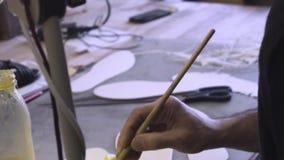 Szewc przy prac? zdjęcie wideo