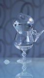 Szkła koniaka stołu odbicie Fotografia Royalty Free