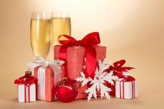 Szkła, set prezentów pudełka i płatek śniegu, Zdjęcia Stock